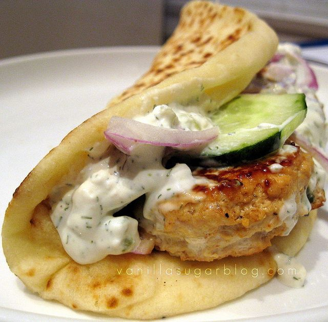 chicken curry burgers in pita with tzatziki