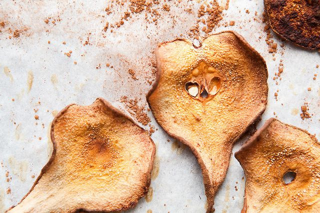 Cocoa Pear Crisps // the year in food | THE YEAR IN FOOD | Pinterest