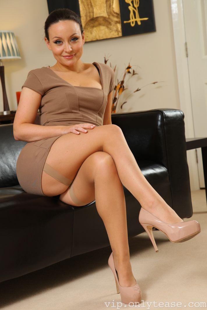 MILF pornstar in black stockings Nicole Sheridan teasing her clit № 523417 без смс