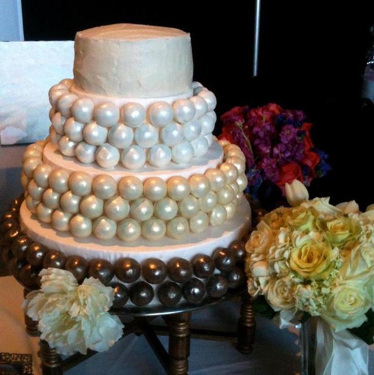 Cake pop wedding cake Cakes Pinterest