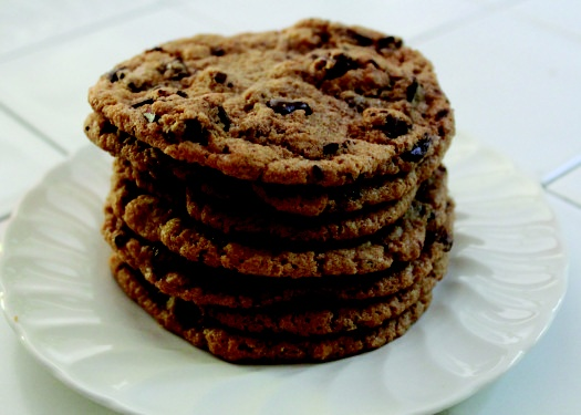 almond butter chocolate chip cookies | Indulge | Pinterest