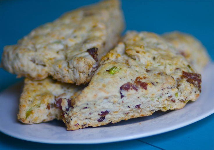 Peppery Bacon and Cheddar Scones | Breakfast Pastries | Pinterest