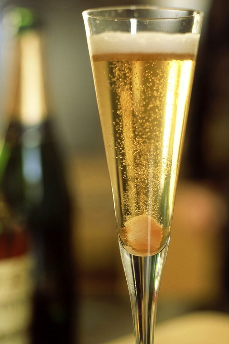 4 champagne cocktails to serve at your next brunch for Champagne cocktail