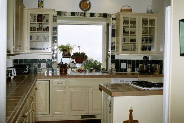 Kitchen window treatment ideas home design jobs for Window treatment ideas for kitchen
