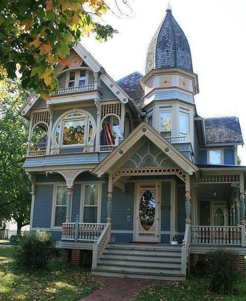 This a unique victorian painted lady for Very pretty houses
