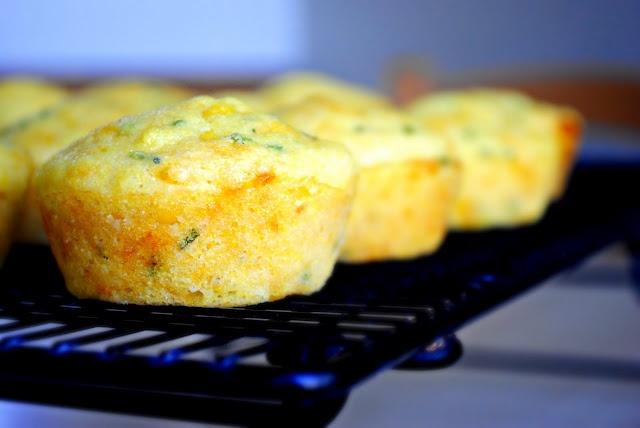 Cheddar & Chive Corn Muffins: Bread | recetas | Pinterest