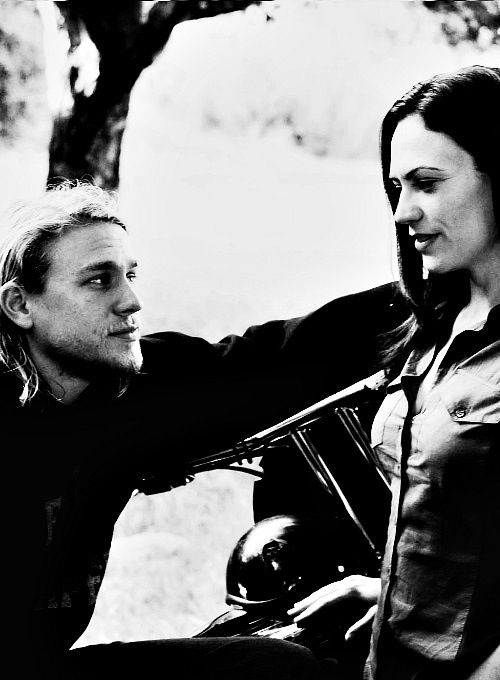 Charlie Hunnam & Maggie Siff | Charlie Hunnam | Pinterest
