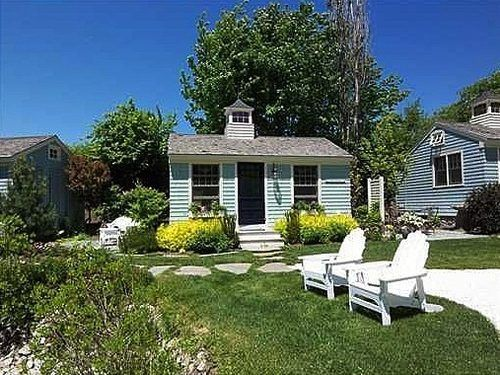 Tiny Cottage In Maine Tiny Homes Small Places Pinterest