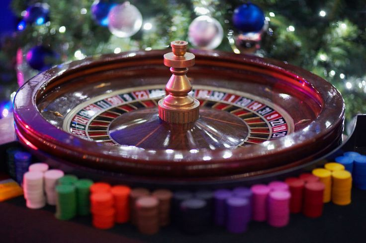 Christmas roulette   Warner Activities   Pinterest
