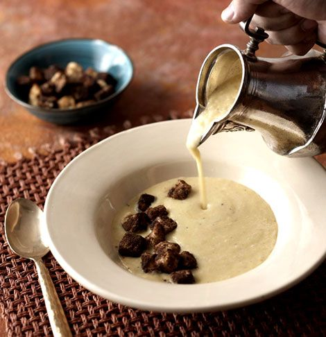 ... de Calabaza (Butternut Squash Soup) with Chocolate-Chipotle Croutons