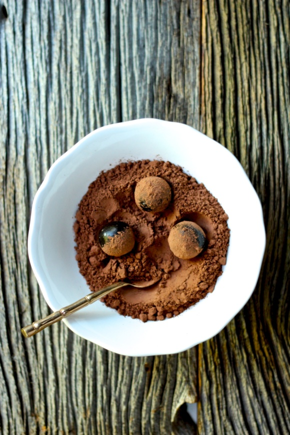 Cocoa Date Truffles | Give me my sweet, salty sin again | Pinterest