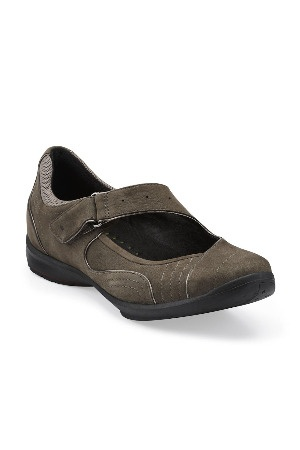 Clarks Shoes for Women - Beyond the Rack