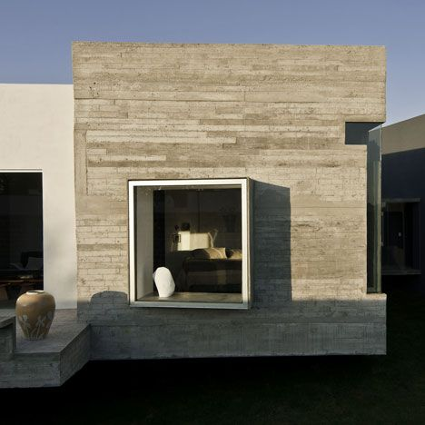 House for two Artists by M+N Arquitectos. Mexico.