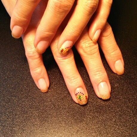 shellac fall leaves nails | Nails by me! #nailsbytracim | Pinterest