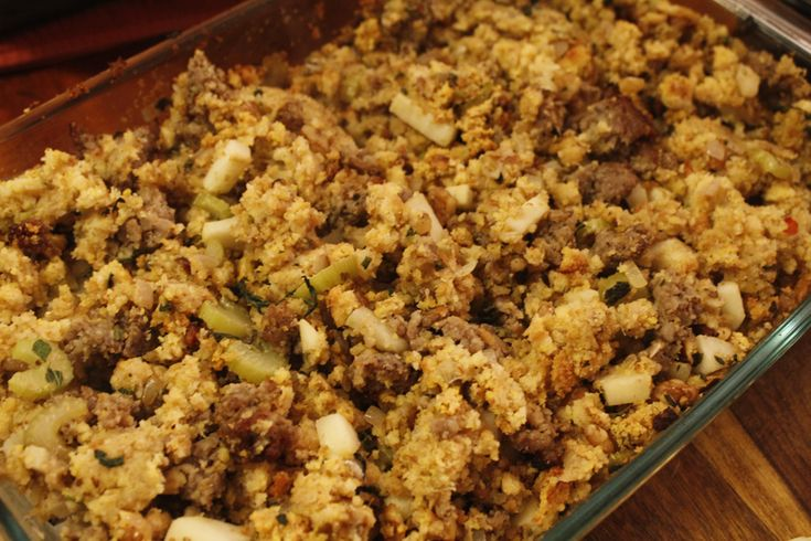 Apple and Sausage Cornbread Stuffing | FOOD | Pinterest