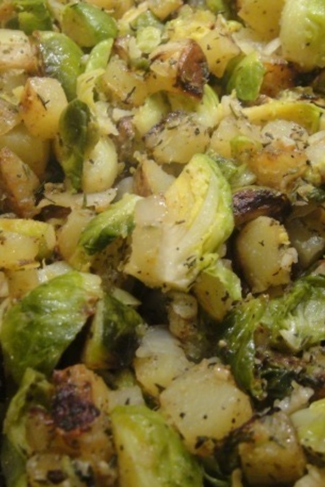 Brussels Sprout Potato Hash | Recipes to try | Pinterest