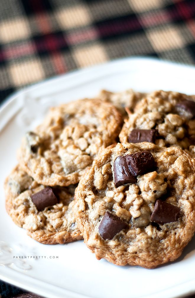 Chocolate chunk oatmeal cookies from @Parent Pretty