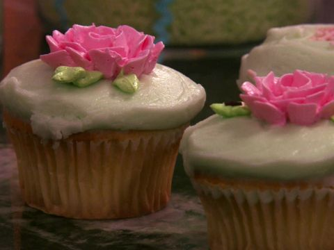 Old-Fashioned Cupcake Recipe : Food Network - FoodNetwork.com