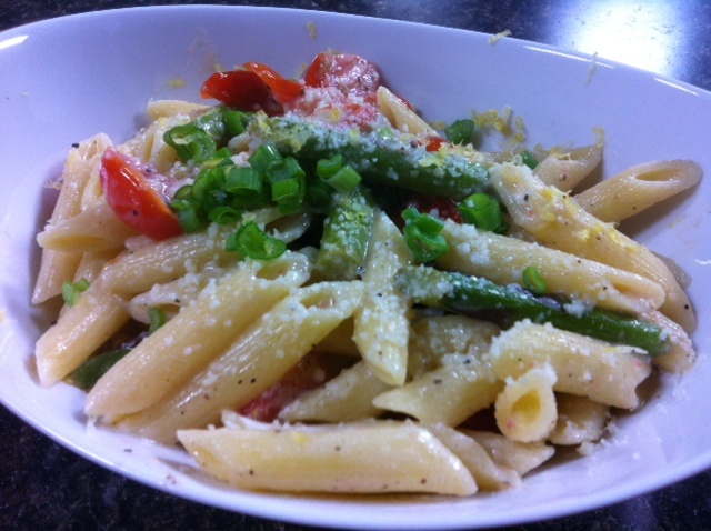 Pasta with Asparagus, Goat Cheese and Lemon - so springy!
