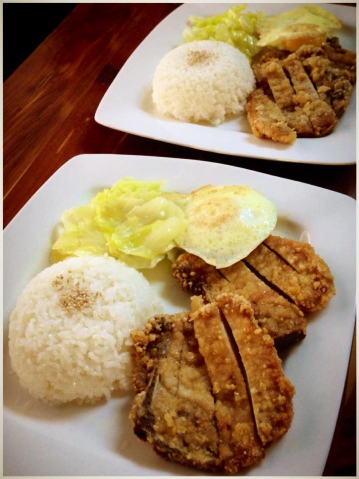 ... ~ Garlic five spice fried pork chops with rice! o(^_^)o 好吃