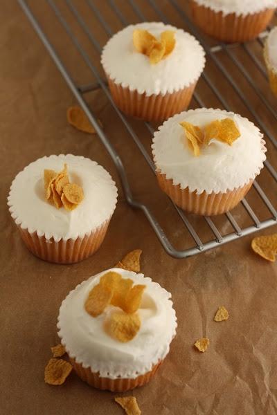 Momofuku Milk Bar Cereal Milk Cupcakes | Cupcake Inspiration | Pinter ...