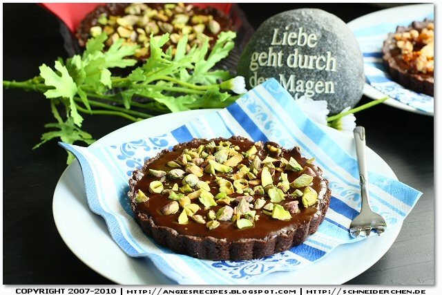 Chocolate Glazed Tart with pistachios | Creative food | Pinterest