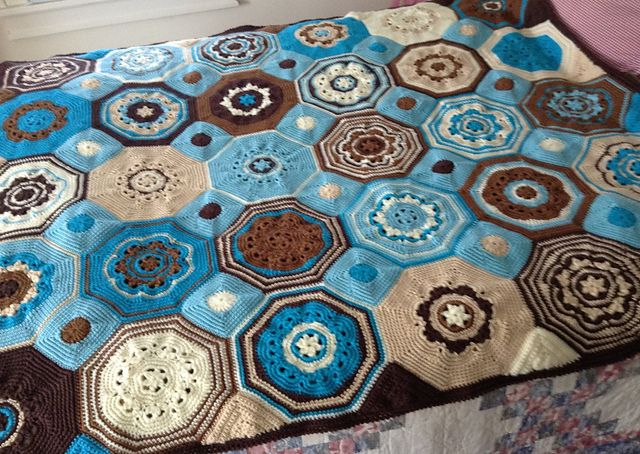 Free Crochet Mosaic Afghan Pattern : Moorish Mosaic Afghan pattern by Lisa Naskrent