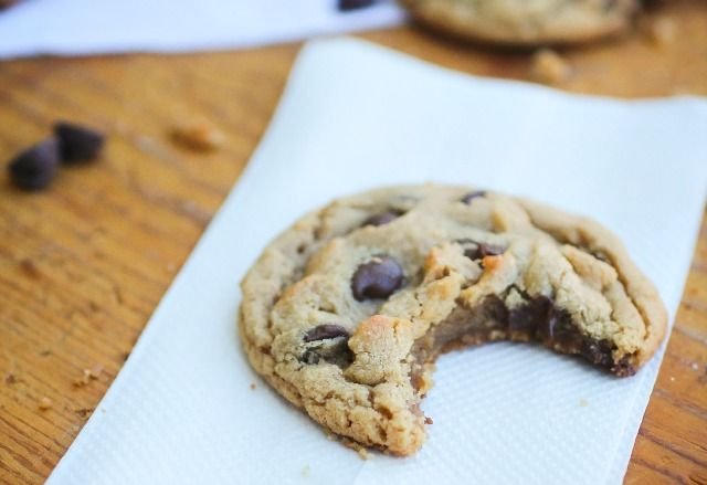 Perfect Peanut Butter Chocolate Chip Cookies