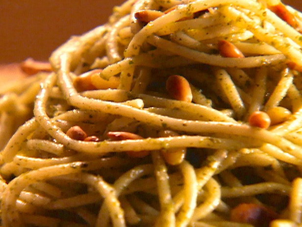 Spaghetti with Mint and Parsley Pesto | Recipe
