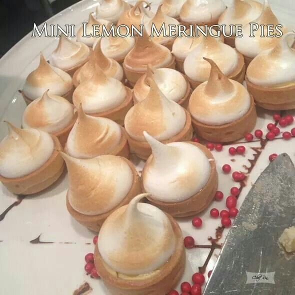 Mini lemon meringue pies | yummyness | Pinterest