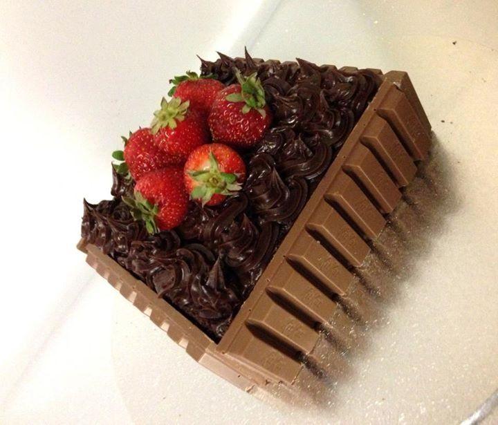 Strawberry Basket Cake | Adult Birthday Cakes | Pinterest