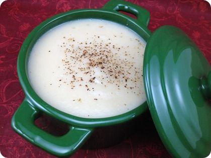 Creamy (but no cream!) Cauliflower & Roasted Garlic Soup