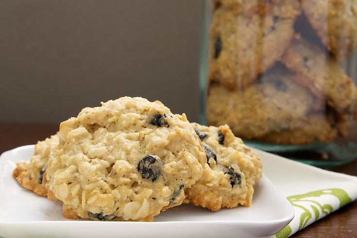 Blueberry-White Chocolate Oatmeal Cookies | Bake or Break