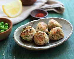Juicy Chicken Meatballs | Easy Asian Recipes at RasaMalaysia.com