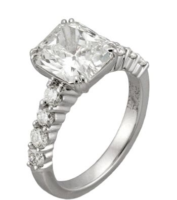 The Engagement Ring Styles That Are In and Out This Year