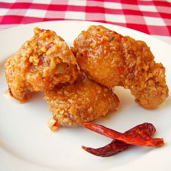 Crispy Sweet Sticky Spicy Fried Chicken Wings - crispy coated deep ...
