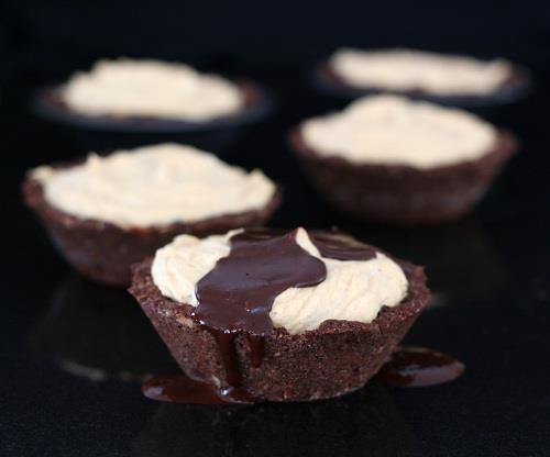 Individual Frozen Peanut Butter Pies | Low Carb Sweets | Pinterest