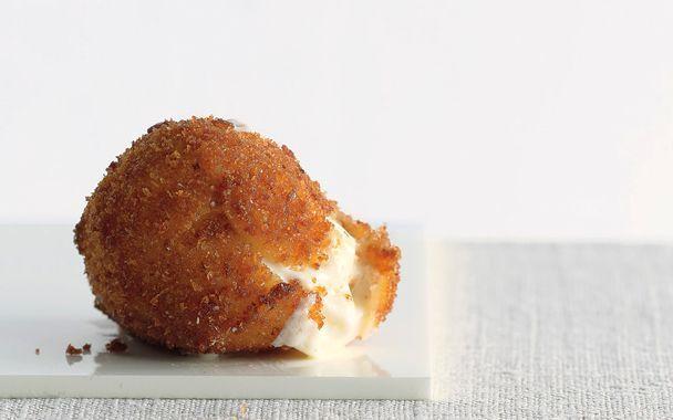 Fried Mozzarella Balls | ☆☆☆☆☆ Restaurants | Pinterest