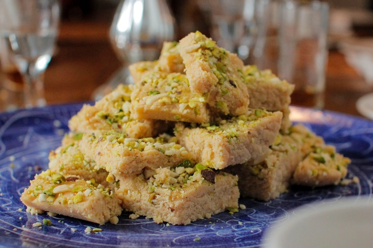 pistachio almond crumble flourless chocolate almond cake with almond ...