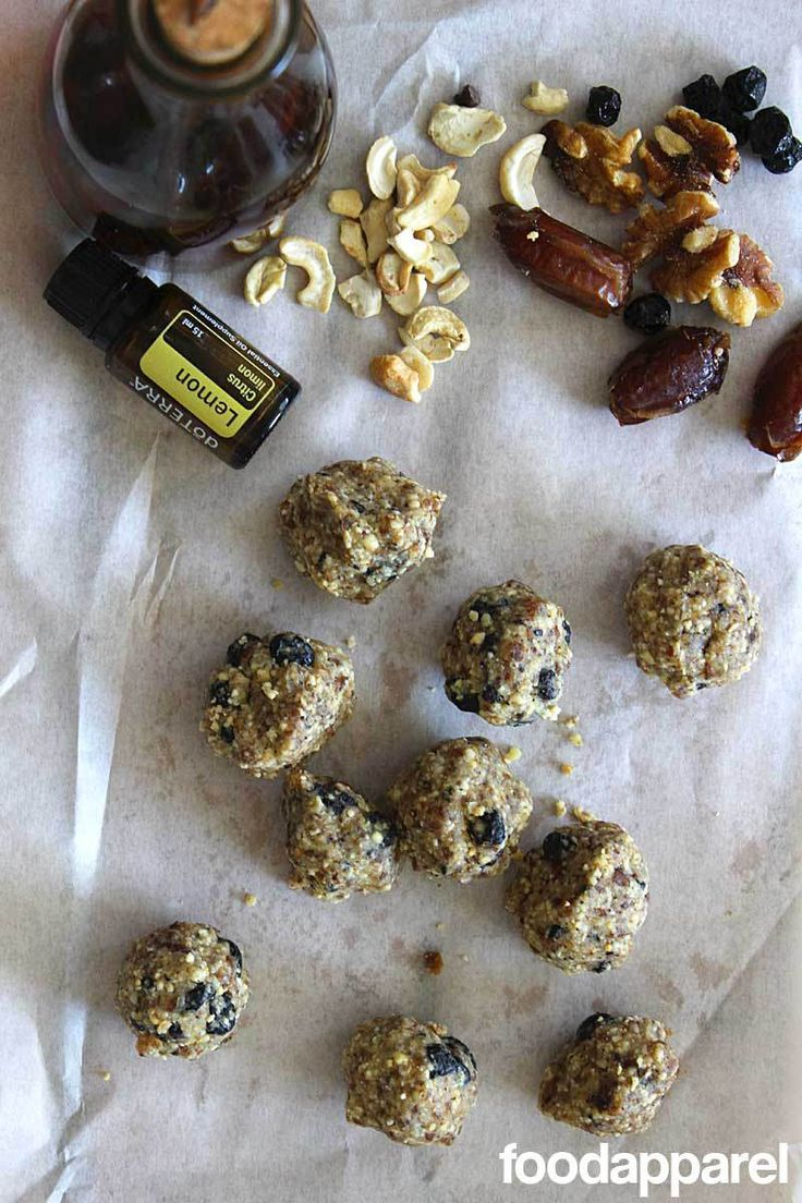 Copycat Blueberry Muffin Larabars (or Balls): Quick 'N Easy Style | R ...
