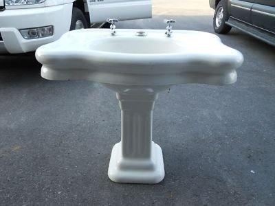 Large Pedestal Sink : large pedestal sink for the bathroom Pinterest