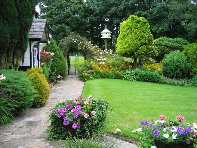Small cottage garden ideas gardening pinterest for Cottage garden ideas