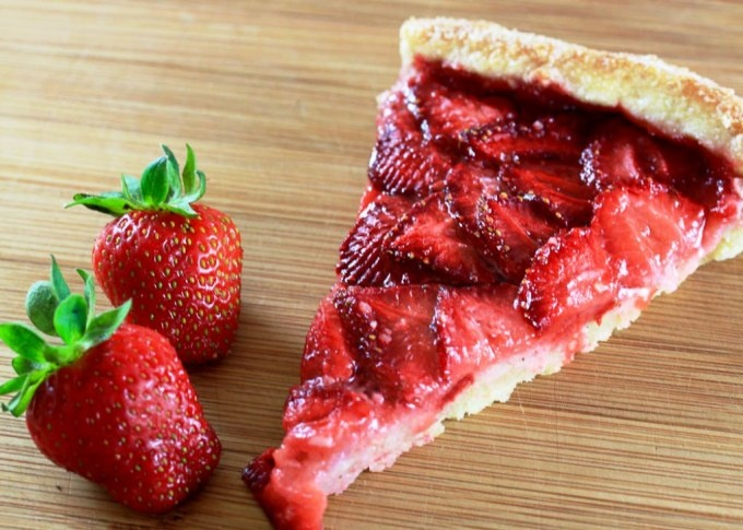 Strawberry Galette | Nommy Yum Yums | Pinterest