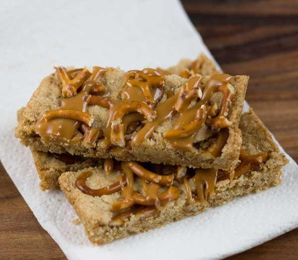 Pretzel Caramel Shortbread Bars