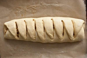 Braided Coffee Cake with Apple-Ginger Filling Recipe - CHOW