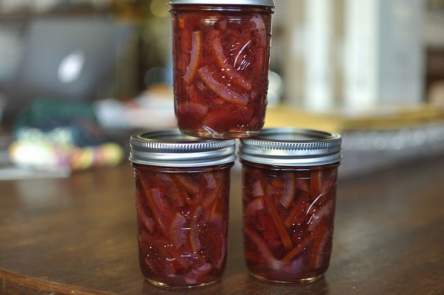 mmm...blood orange marmalade...can't wait to make this with the basket ...