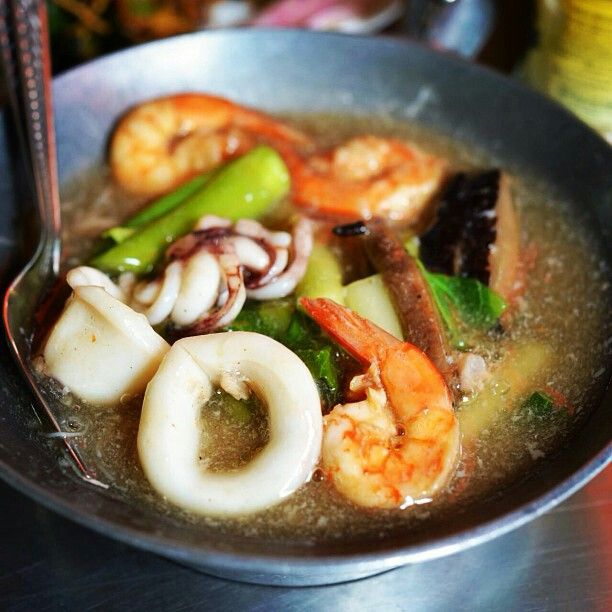 Thai nooddle. Rad na ta le | Thai food idea | Pinterest