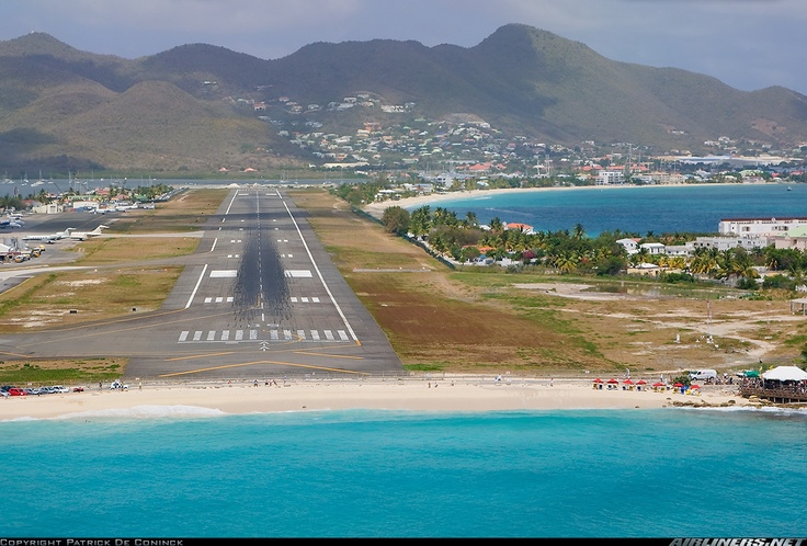 Un jour,  perhaps one day Maho beach and me will meet!