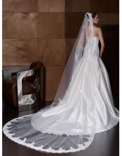 Very long wedding veils 3333 wedding veils headpieces for Long veils for wedding dresses
