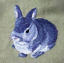 Вышивка гладью кролик брошь 87